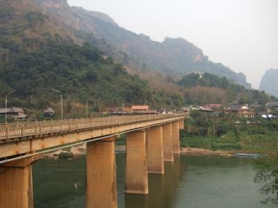 Nong Khiaw Bruecke