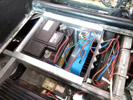Kewet12V Batteriekasten im Heck
