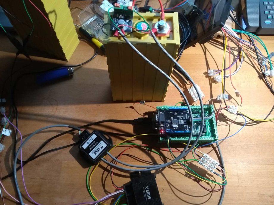 Arduino mit EMUS, CAN Module und einem Zell Modul